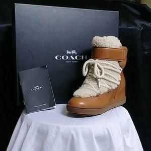 Coach saddled /natural boots rn#114286 size 7.5 ne